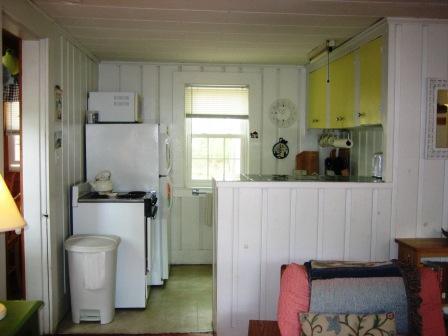 Kök med matplats - 567 Main Street Unit 2 Harwich Port Cape Cod New England Semesterbostäder