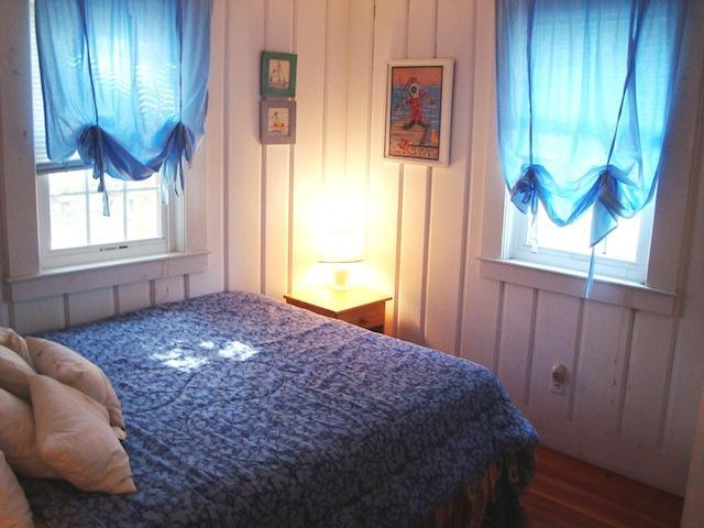 Sovrum # 1 Queen - 567 Main Street Unit 2 Harwich Port Cape Cod New England Semesterbostäder
