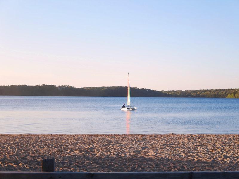 Disfruta de nadar o pasear en kayak en Long Pond, el lago más grande del Cabo, ¡agua dulce! A solo 2 millas de la casa. - Harwich Cape Cod Nueva Inglaterra Alquileres de vacaciones