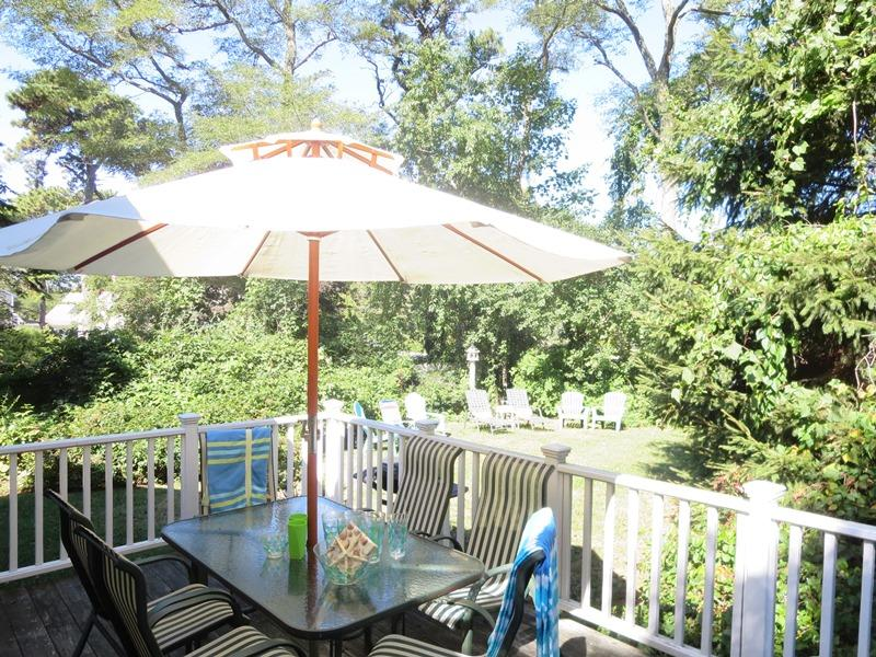 Welcome to The Cape House! Rest and renew at this coastal cottage tucked back off the main streets of Chatham. Easy walk to beach and town - 14 Capri Lane Chatham Cape Cod New England Vacation Rentals