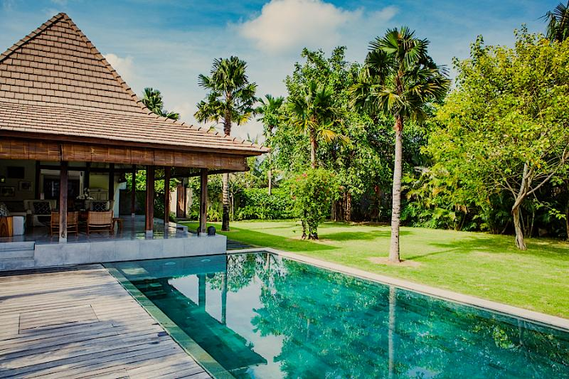AWARDED TOP VILLA*Chef Included *Ideal location*Big garden*, Ferienwohnung in Seminyak