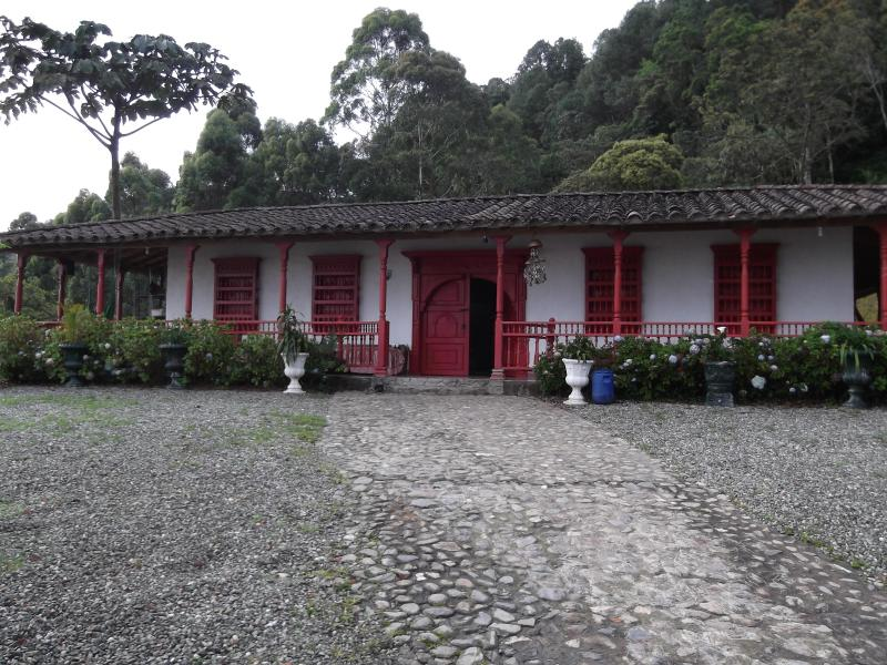 Rent  a villa in Colombia, vacation rental in Envigado