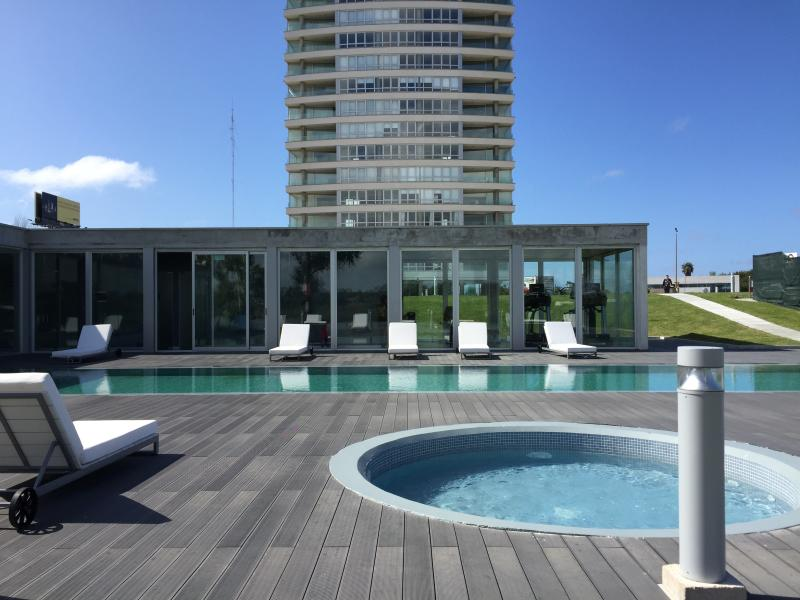 Faros de Carrasco, 2bd Apartment, holiday rental in Canelones Department