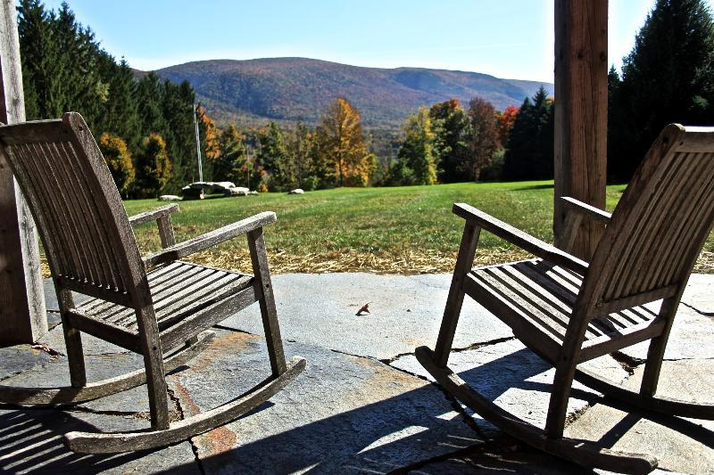 El patio, con vistas orientadas al sur.