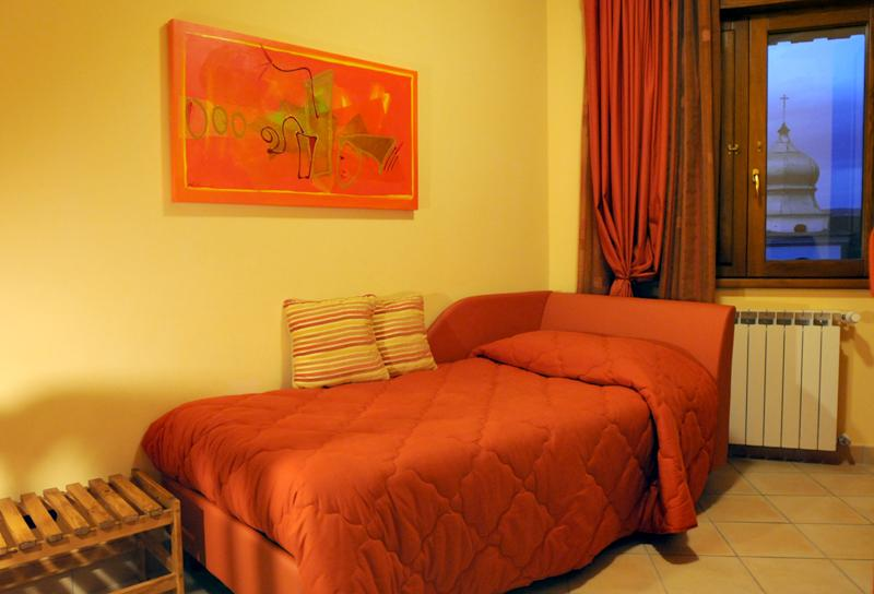 Bed&Breakfast Domus Traiani - Camera Roma, holiday rental in Torrecuso