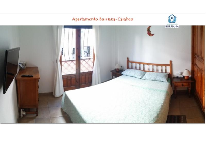 Dormitorio de matrimonio con todo detalle (panorámica)