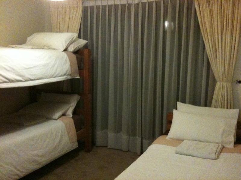 The triple bunk room.