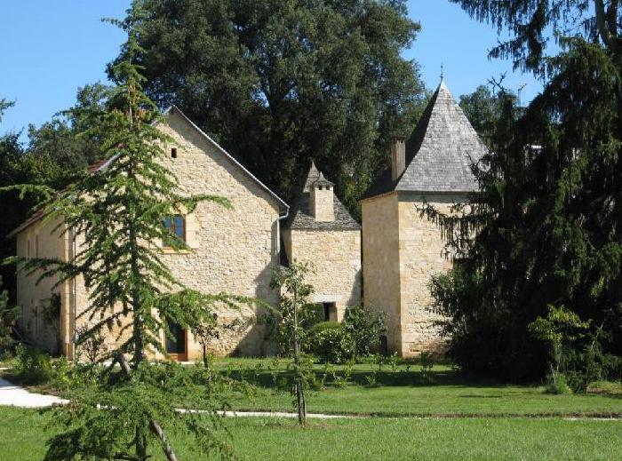 The cottages: Le Pommier, Le Rosier & Le Bois