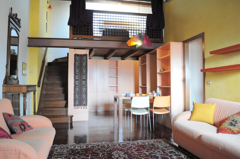 Historic Apartment in the Heart of Ancient Verona, holiday rental in Verona