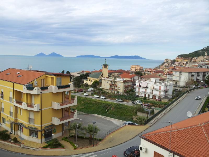 CASA VACANZE ZAPPARDINO, holiday rental in Brolo