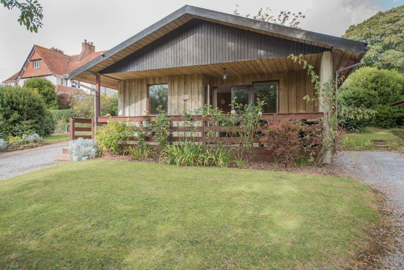 Woodcombe Lodges and Cottages-Cherry Tree Lodge, location de vacances à Wootton Courtenay
