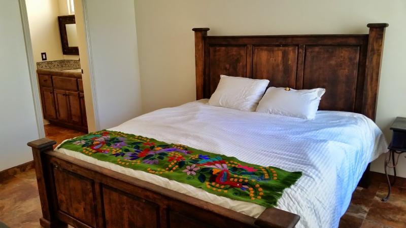 Deuxième chambre à coucher principale avec