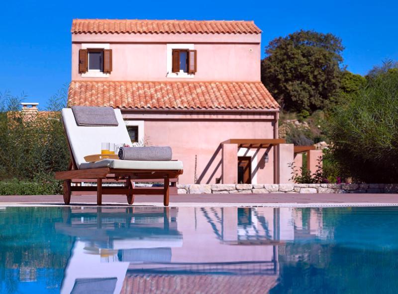 APOSPERITIS Loft House at Eliathos, vacation rental in Vasilies
