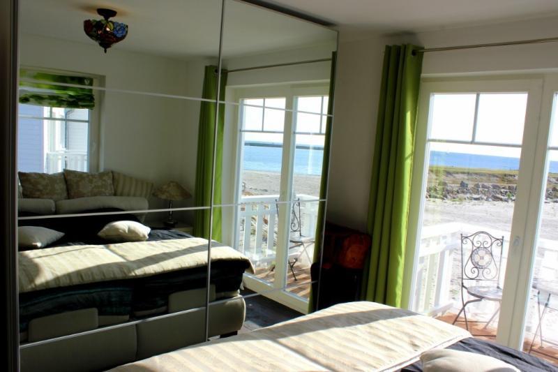 Schlafzimmer 1, großer Spiegelschrank