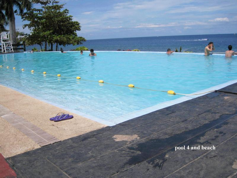 New Lux. 2BR condo- seaview - Beach+4 pools‏, holiday rental in Lapu Lapu
