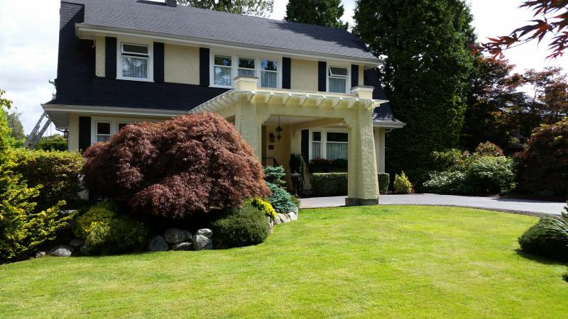 AWARD -WINNING LUXURY HERITAGE RESIDENCE - NO TRAVELLER BOOKING FEES!, holiday rental in Vancouver