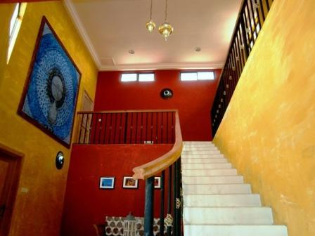 ACCRA ROYAL CASTLE FULL SERVICE TWO BEDROOM APARTMENT, vacation rental in Achimota