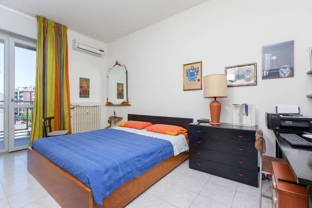 ATTICO ESTESATERRAZZA CON BOX,PROSSIMO METRO UDINE, vacation rental in Segrate