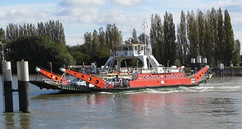 Ferry across the Seine