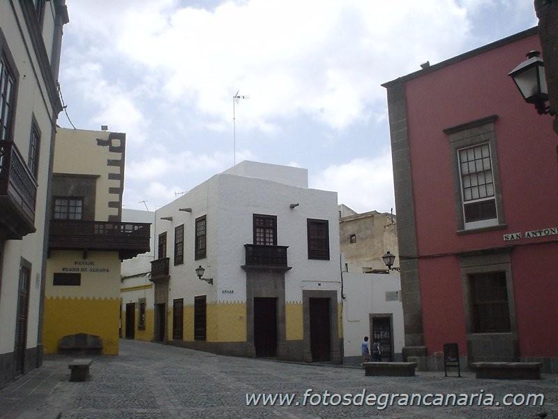 Historic places near Vegueta. (Within 5 min. walk from Casa Toledo)