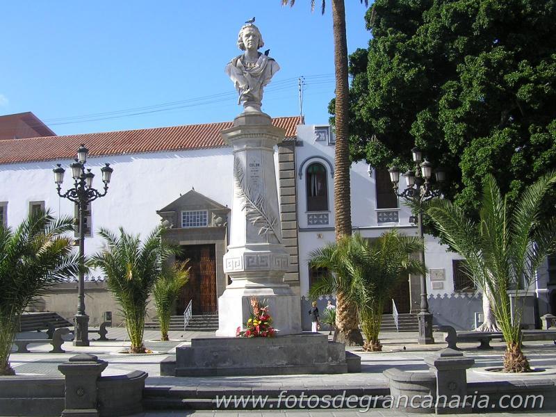 Alameda de Colón. Historic places in Triana. (Within 5 min. walk from Casa Toledo)