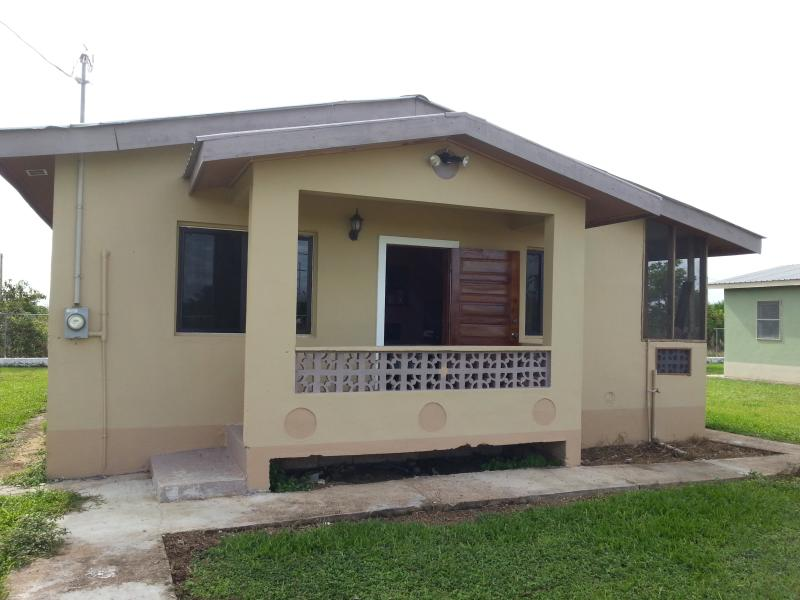 Beautiful 3 Bedroom House in BELIZE!!, holiday rental in Gales Point