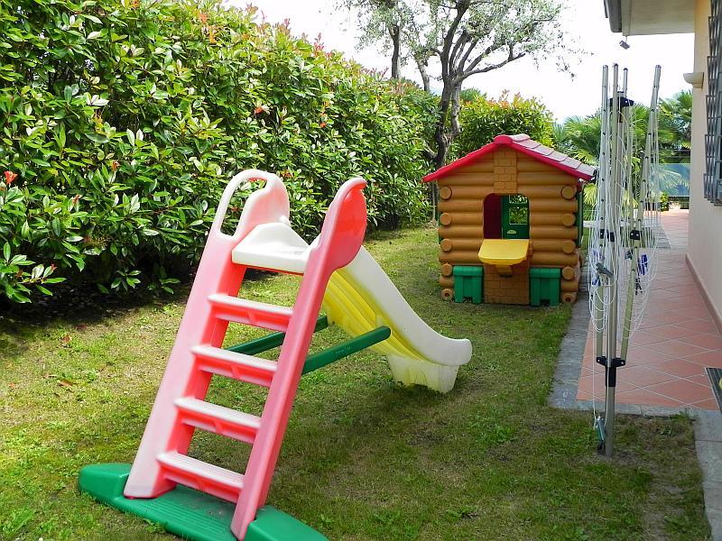 Villa Seta, Meina Lake Maggiore Italy - NORTHITALY VILLAS vacation rentals