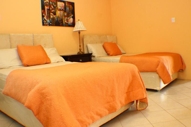 Orange Room, Ferienwohnung in Trinidad