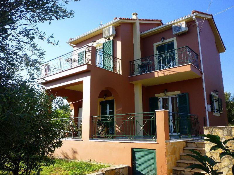 villa eleftheria, aluguéis de temporada em Sami