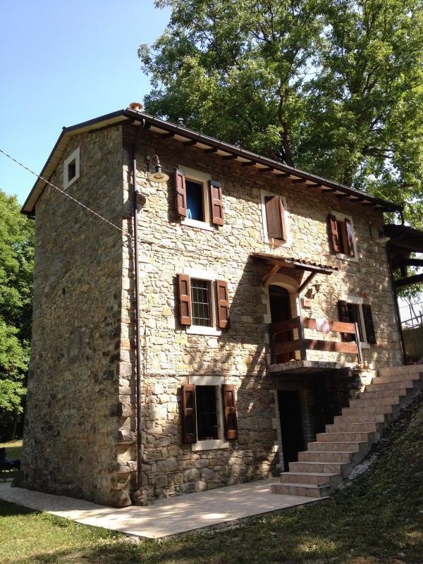 Alte Mühle, ist das Haus auf zwei plus einem Keller Etagen gebaut, die jeweils 50 Quadratmeter.