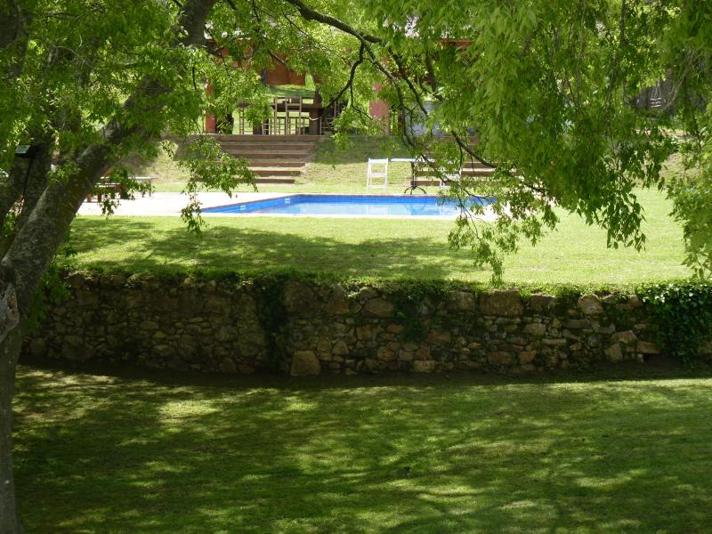 MASIA IN THE COUNTRYSIDE VERY CLOSED TO  THE SEA. DAILY HOUSEKEEPING SERVICE INC, location de vacances à Romanya de la Selva