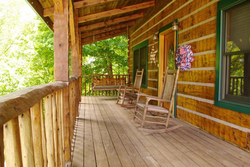 Cabin on the Hill, holiday rental in Russell Springs