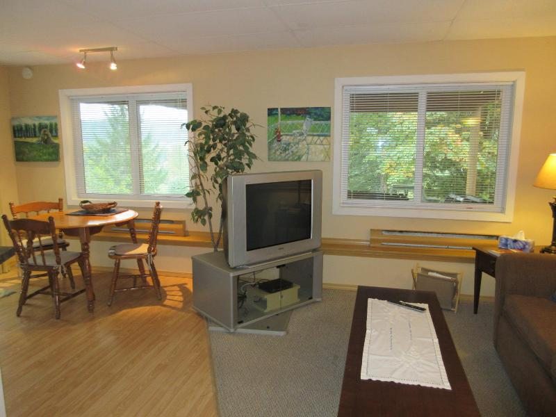 Cinnabar Hills Hideaway - Vancouver Island, vacation rental in Nanaimo