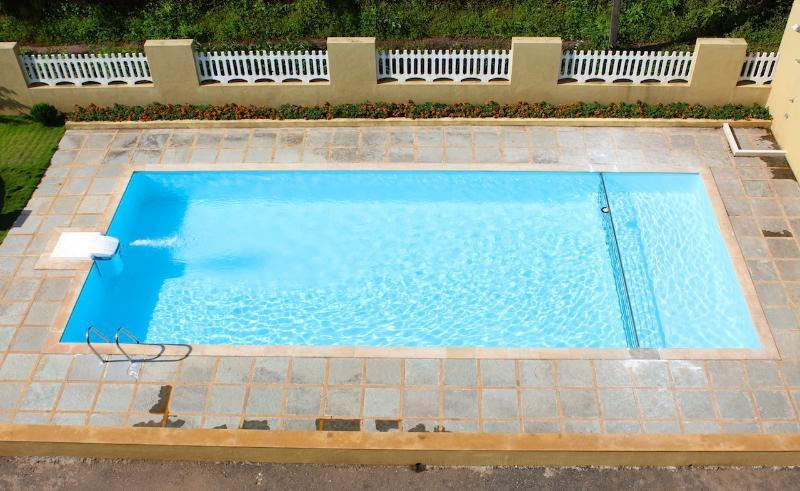 Spacious 1 Bedroom Apartment in Arpora!, vacation rental in Bardez
