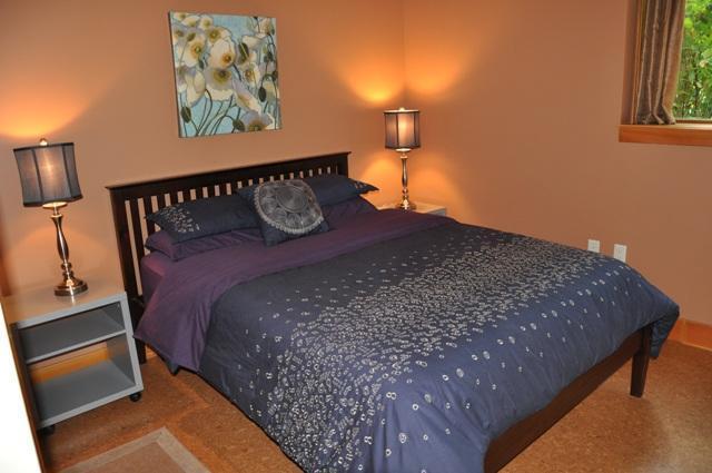 Super comfy queen bed in the Master bedroom