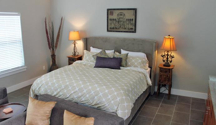D'Vine Cottage-10-Mins to Downtown Fredericksburg, vacation rental in Fredericksburg