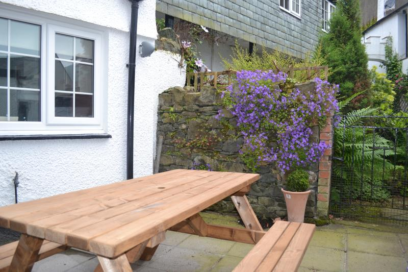 Rear Garden with seating for 6