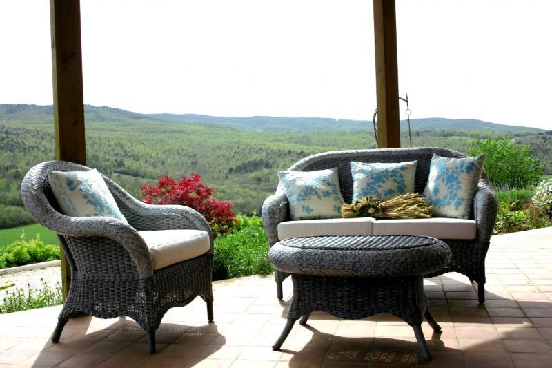 Casa Vacanze Scopeto - Apt. 1 romantic apartment, patio, shared pool, wi-fi, bbq, Ferienwohnung in Casole d'Elsa