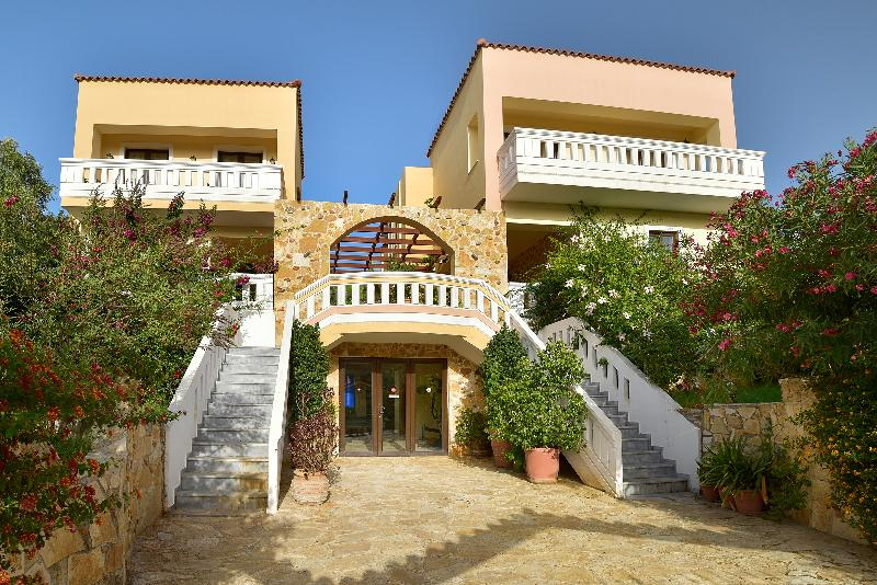 Olive Farm Villa, with private pools, vacation rental in Chania Town