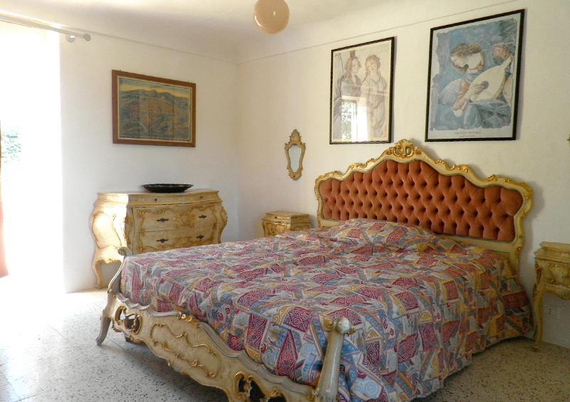 1 bedroom, Venetian Baroque style; the other Apulian Baroque. Second floor