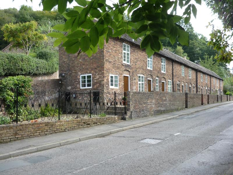 Carpenters Row showing all ten cottages.
