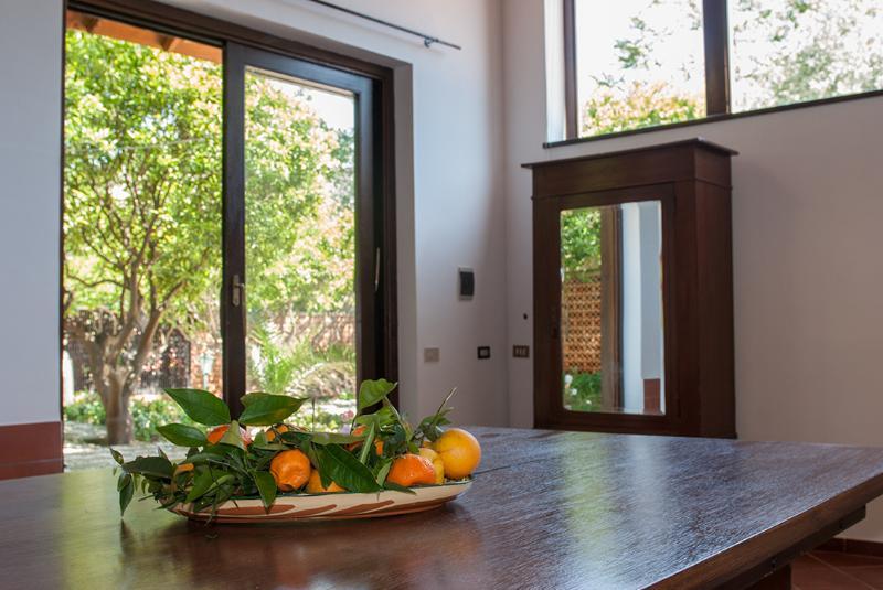porta a vetri con vista giardino