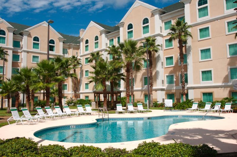 Holiday Apartment within 1 mile of Disney World, vacation rental in Orlando