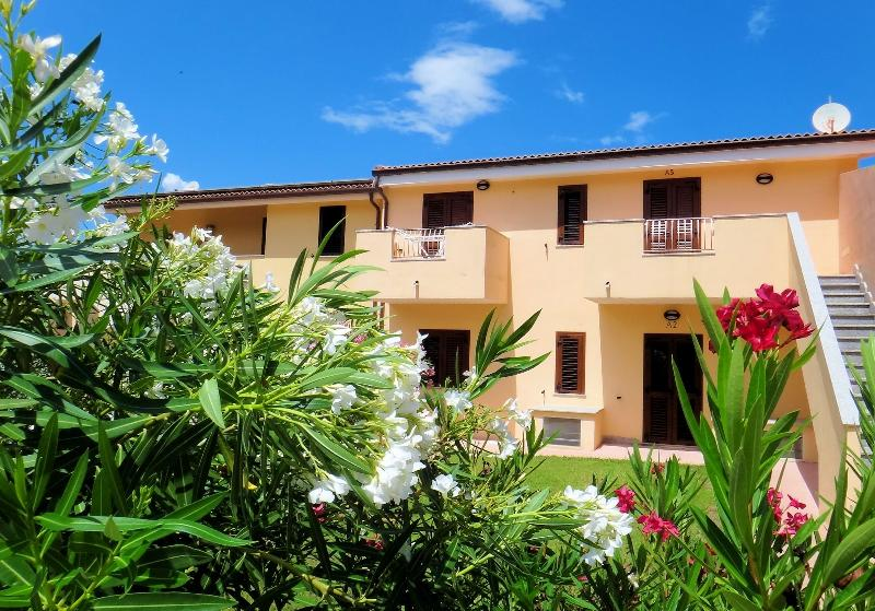 Holiday apartment in Valledoria by the sea -L plus, holiday rental in La Muddizza