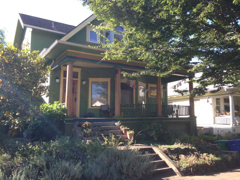 Renovated Old Portland w/ attention to ecological solutions