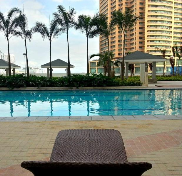 Stunning View @ Top Flr 1Bd Unit with Balcony – semesterbostad i Luzon