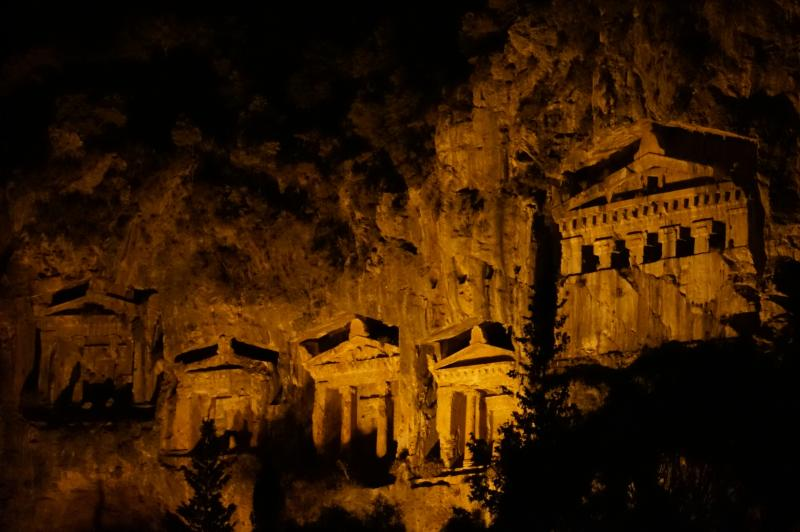 The tombs at night