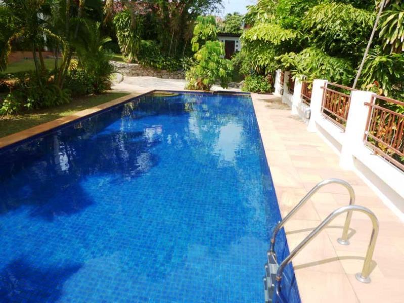 15 mter long pool 4.6 meters wide
