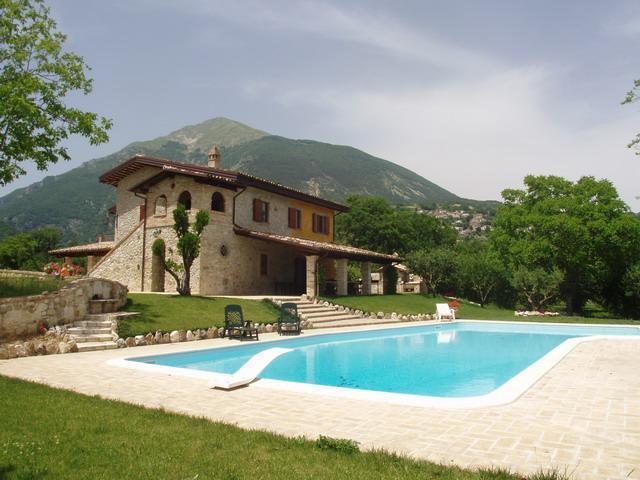 Villa Delle Rocche, holiday rental in Province of Teramo