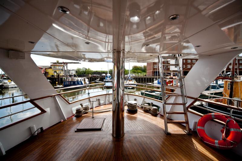Lower Rear deck